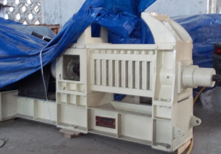 Una de las máquinas que integrarán la nueva línea productiva en la extractora de aceite de coco de Baracoa
