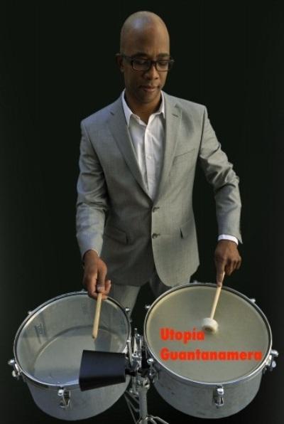Abraham Mansfarrol, percusionista.