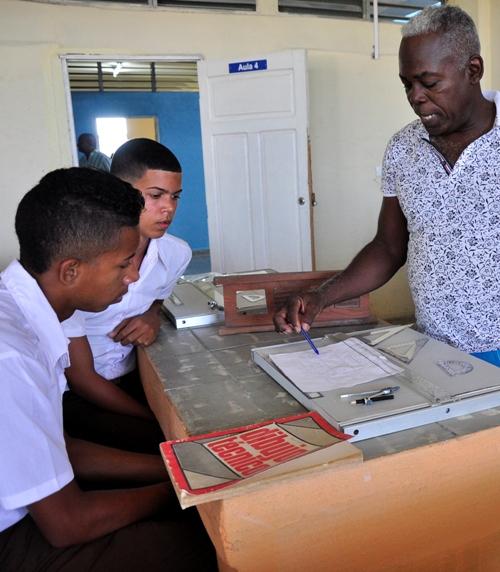 Abren en Najasa, Camagüey, centro escolar para la formación de contadores y albañiles