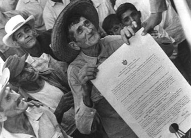 Diaz-Canel ratifies Fidel's legacy for peasants.