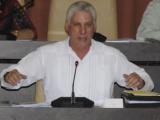 Llama Presidente cubano a perfeccionar opciones de empleo