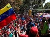 Chavismo toma las calles de Caracas para manifestar en defensa de la paz