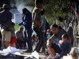 Migrantes en precarias condiciones en frontera de México con EE.UU.