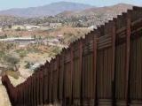Congreso de EE.UU. aprueba ley de financiamiento del muro en la frontera con México