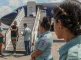 Regresa nuevo grupo de cubanos deportados desde México