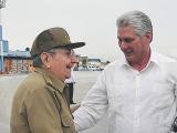 Recibe Raúl a Díaz-Canel en su llegada a Cuba